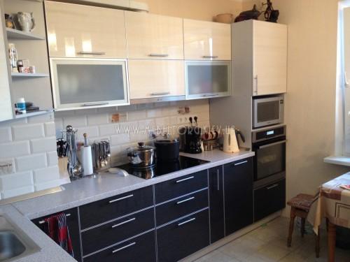 Кухня МДФ акрил на заказ по адресу 13, пр-т Маяковского, 46