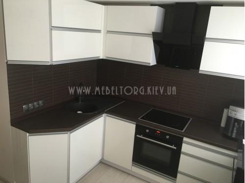 Кухня МДФ акрил на заказ по адресу 3, ул. Чавдар, 34